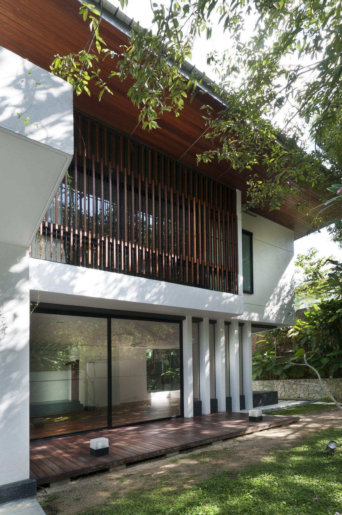 Interesting House Exterior Design In Kulai Malaysia: Hijauan House - Interesting Kuala Lumpur Bungalow Design