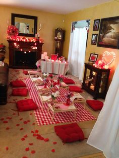 Indoor Picnic Romantic Valentines Day Ideas Valentine S Dayღ