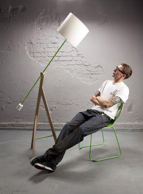Una l mpara con nombre de rey interiores minimalistas for Iluminacion minimalista interiores