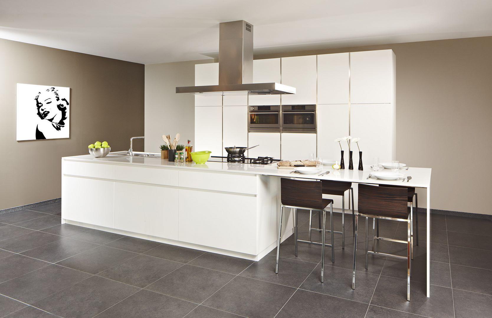 Design laqu mat kitchen pinterest cuisine moderne cuisines design et mobilier de salon - Mobilier cuisine design ...