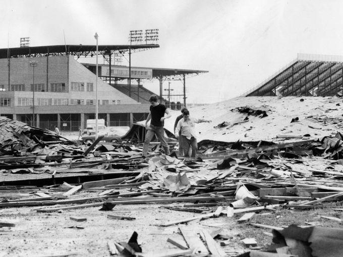 Historic 1974 Tornado Photos Louisville Ky Dramatic Photos Louisville Kentucky