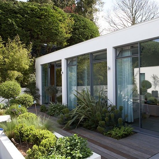 55 Small Urban Garden Design Ideas And Pictures: Contemporary Gardens