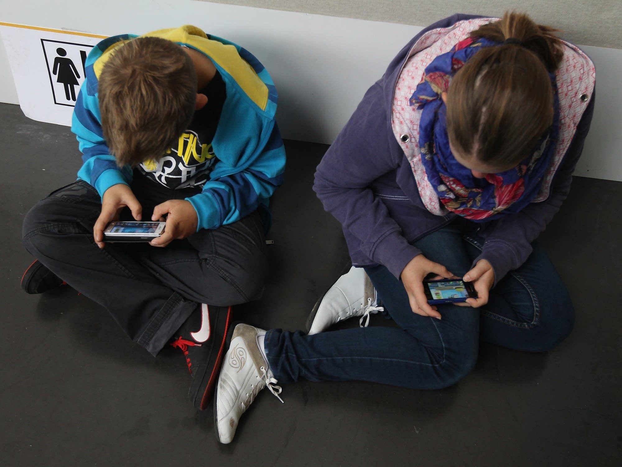 A psych professor asks Have smartphones destroyed a