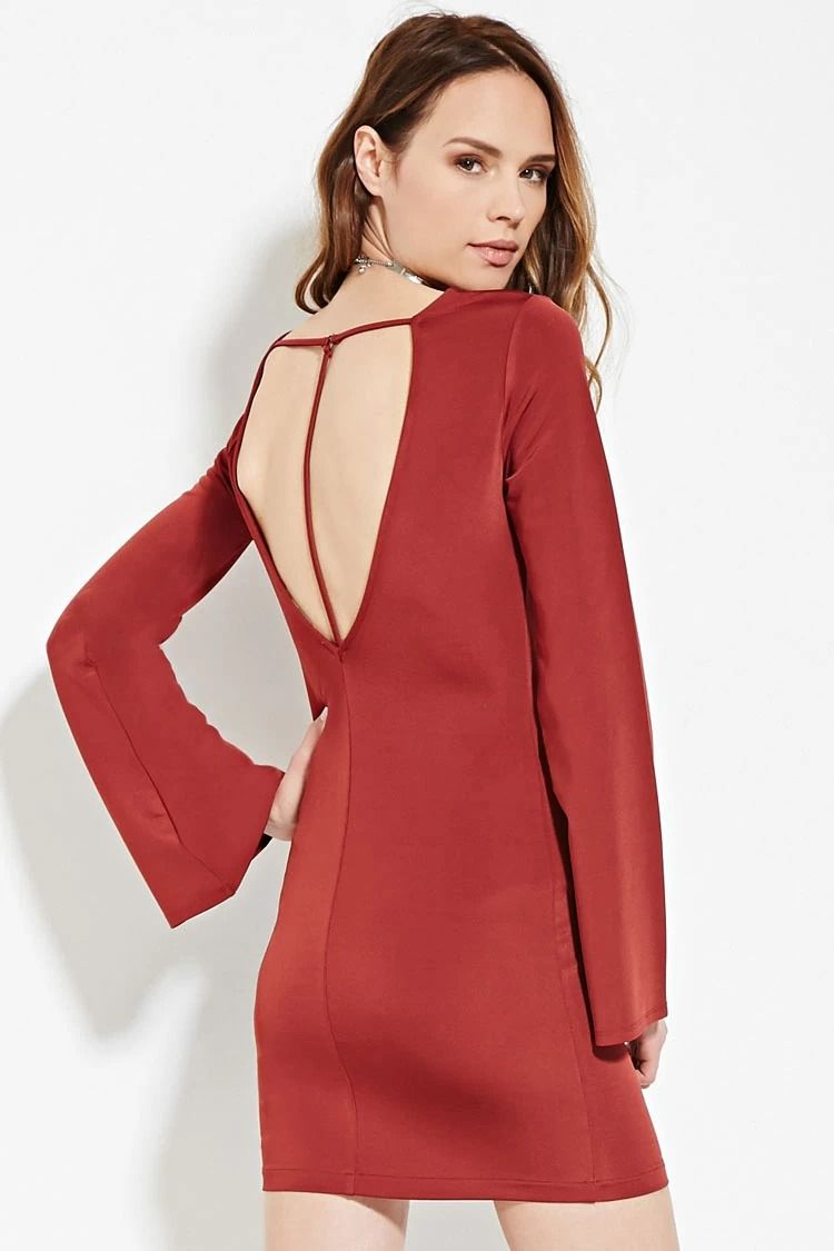 This unlined bodycon dress is crafted from a thick knit fabric and