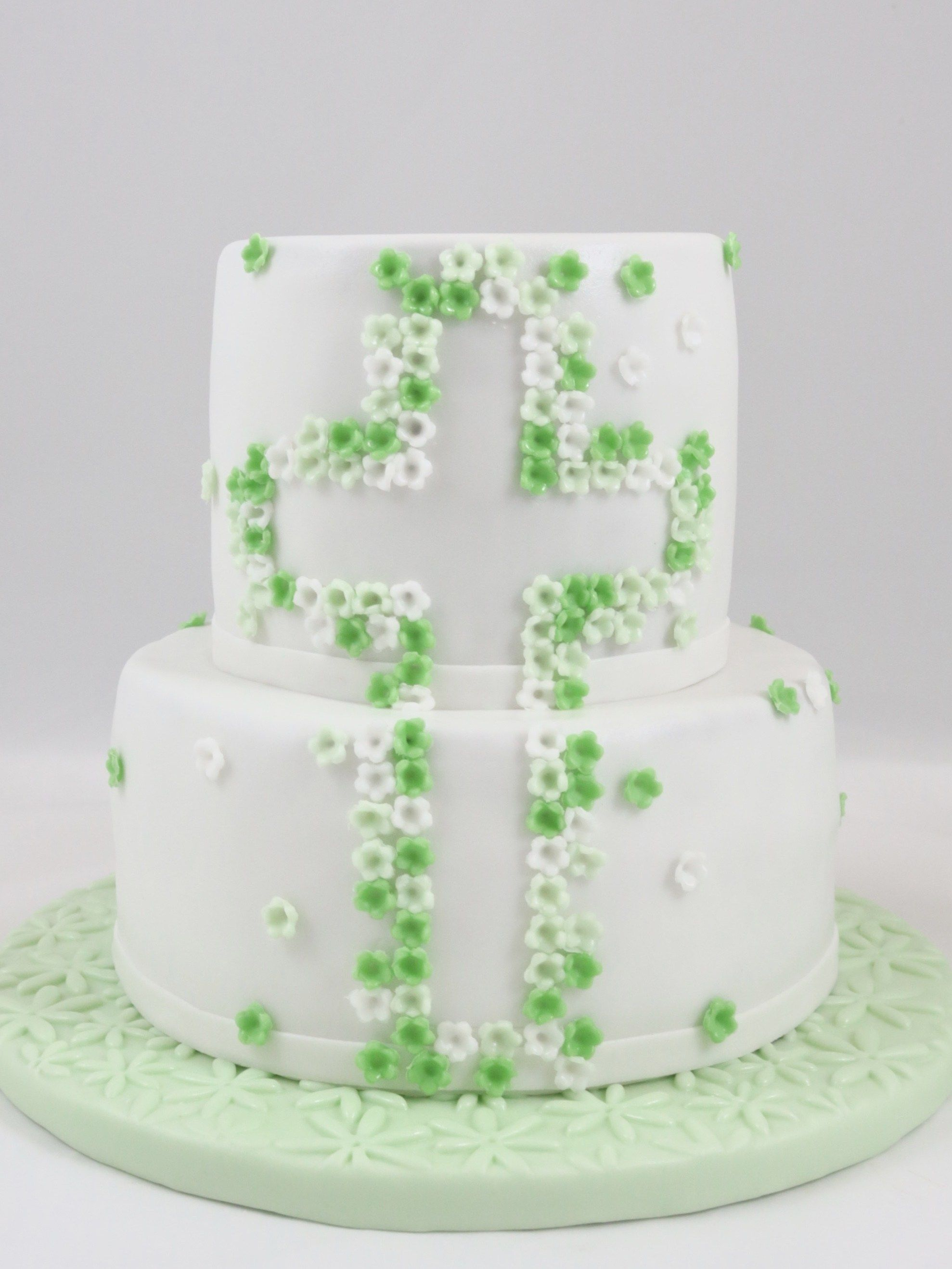 Cross Kreuz Confirmation Cake Boy Green Torte Firmung Junge Schlicht