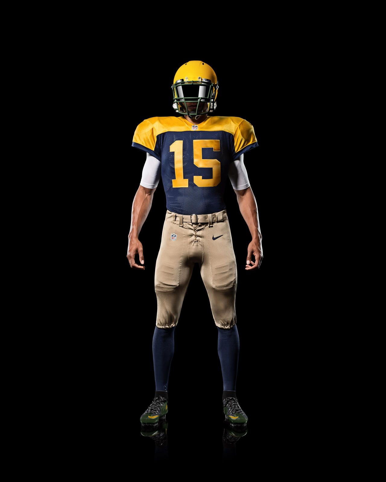 Green Bay Packers Go Old School With New Nike Alternate Uniform Green Bay Packers Football Uniforms Sports Uniforms