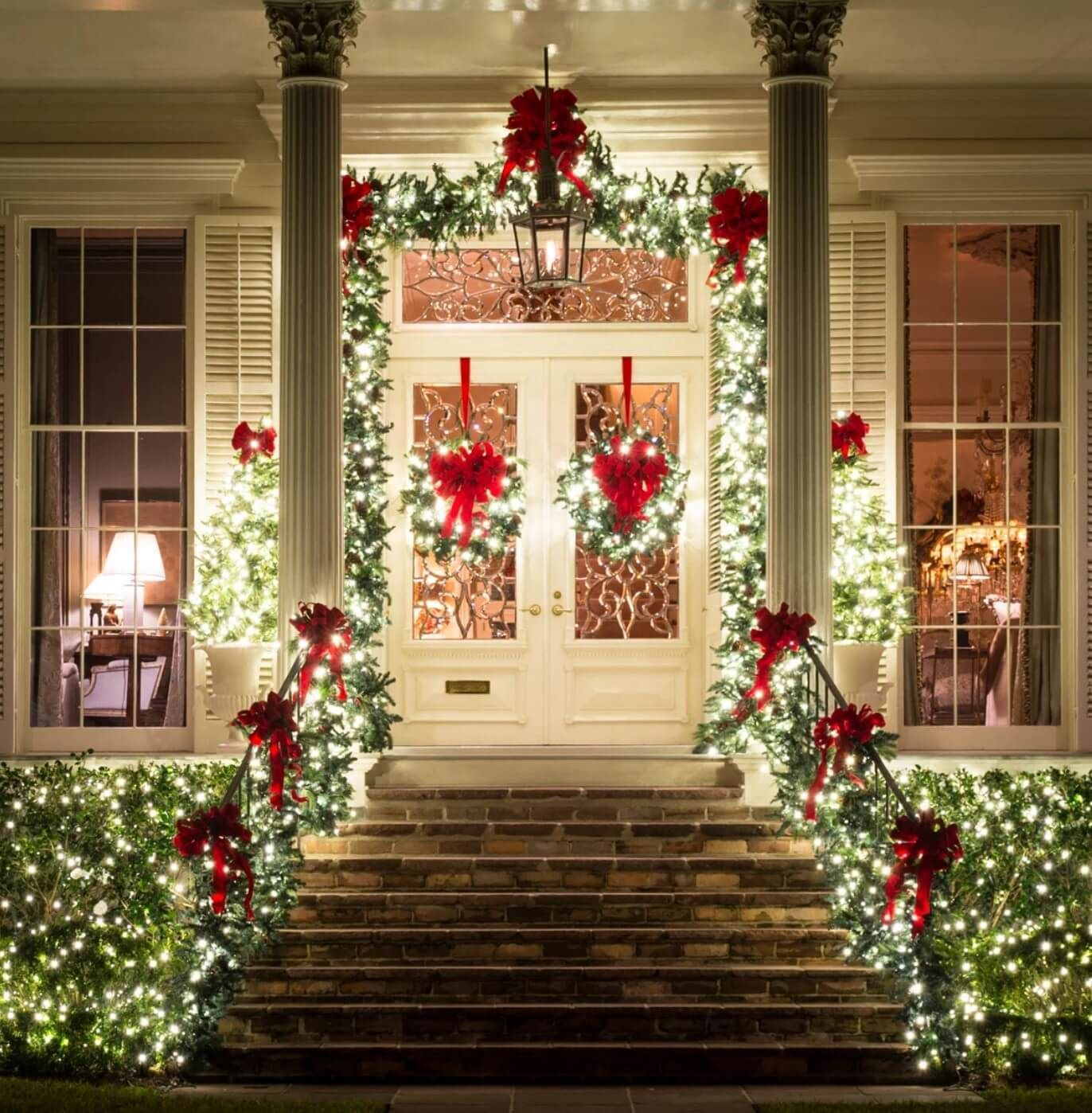 20 Best Christmas Door And Window Lighting Decorating Ideas 2020 Front Porch Christmas Decor Outdoor Christmas Diy Christmas Lights