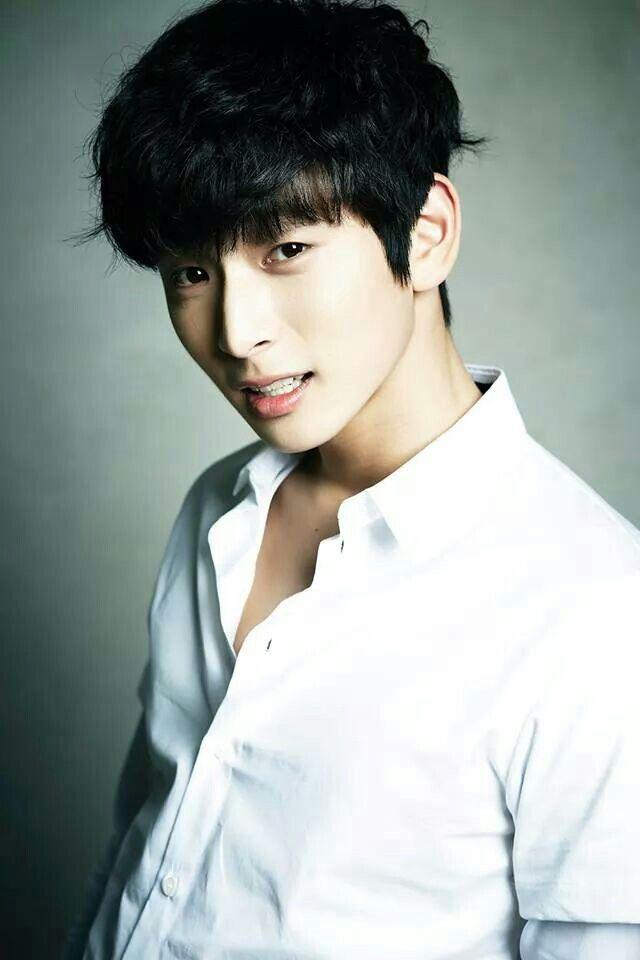 Jin woon 2am seohyun dating