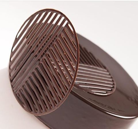 Stunning Chocolate decor by Fabrice David Executive Pastry Chef of L'Ecole Valrhona Tokyo