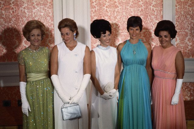 """Lovely #AstroWives—Apollo 11 wives at the Nixon """"Moon Ball"""" in LA after the Moon landing (Pat ..."""