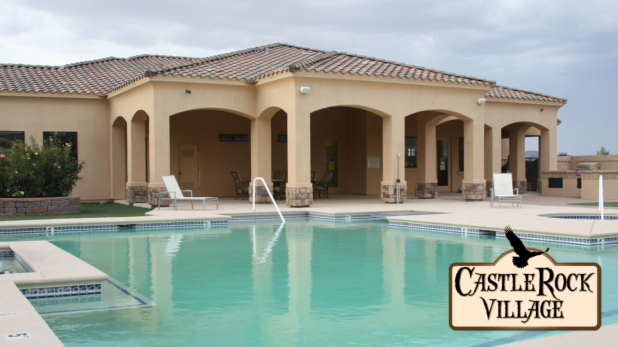 Enjoy the first gated community in Kingman, Arizona, the CastleRock Village. There are many amenities to appreciate such as the club house, pool, spa, and a workout facility giving you the option to have the active life style that you always dreamed of.