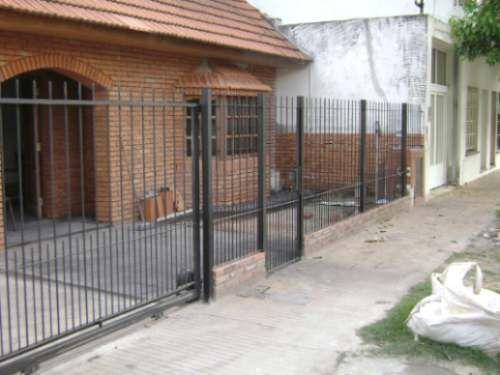 Rejas para frentes de casas buscar con google rejas for Puertas para frente de casas
