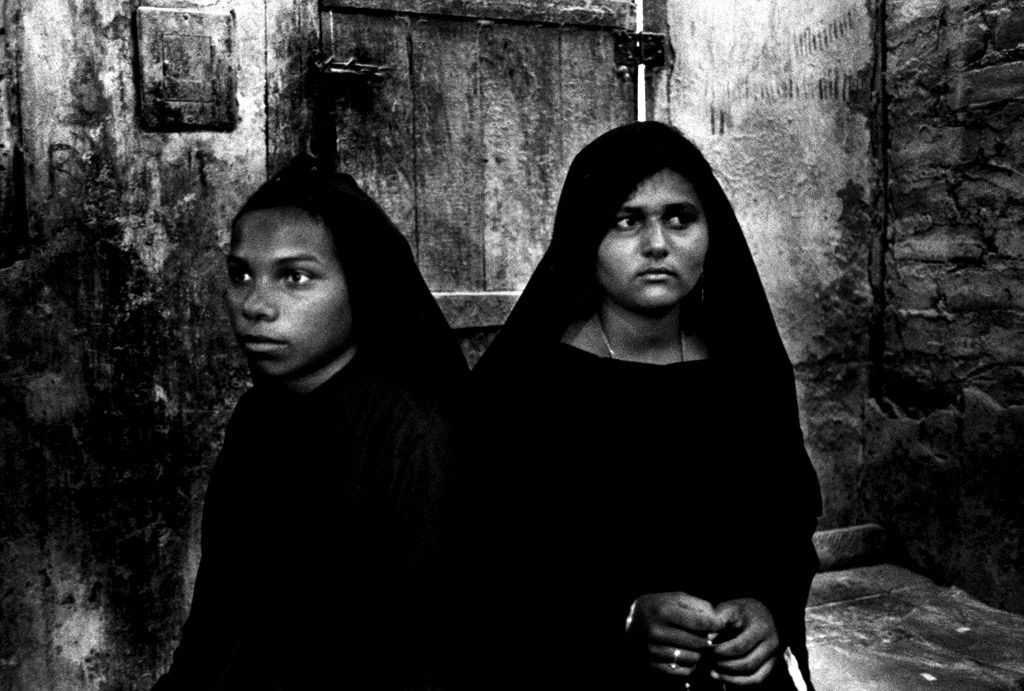 Procession of Madeiro, 2003 - by Guy Veloso (1969), Brazilian