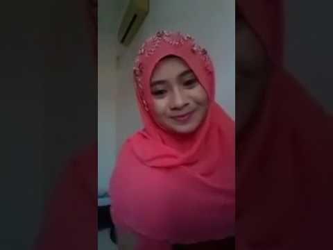 Jangan di lihat , jilbab mesum parah banget live di medsos ...