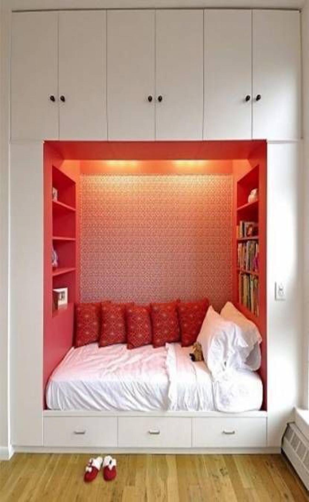 46 Beautiful Bedroom Door Design Ideas In 2020 Tiny Bedroom