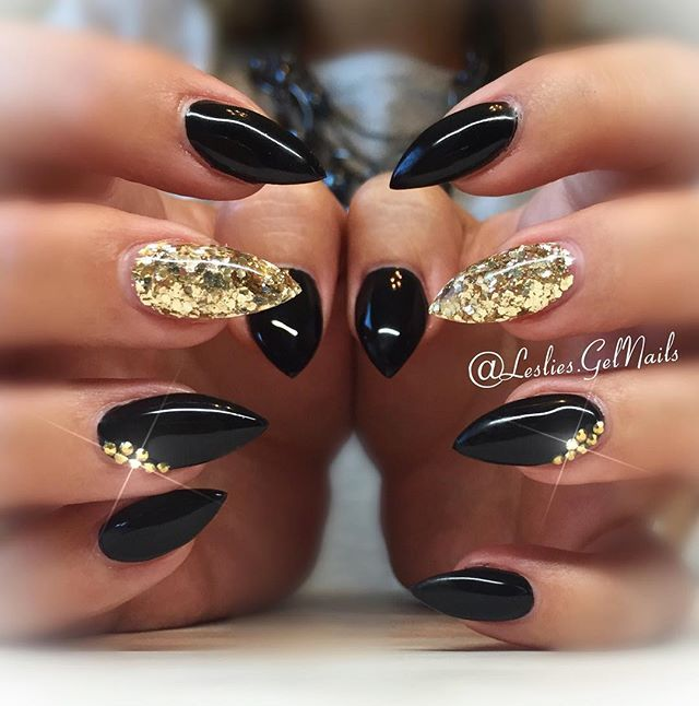 Stilleto Nail Ideas For Prom: Black And Gold Nails