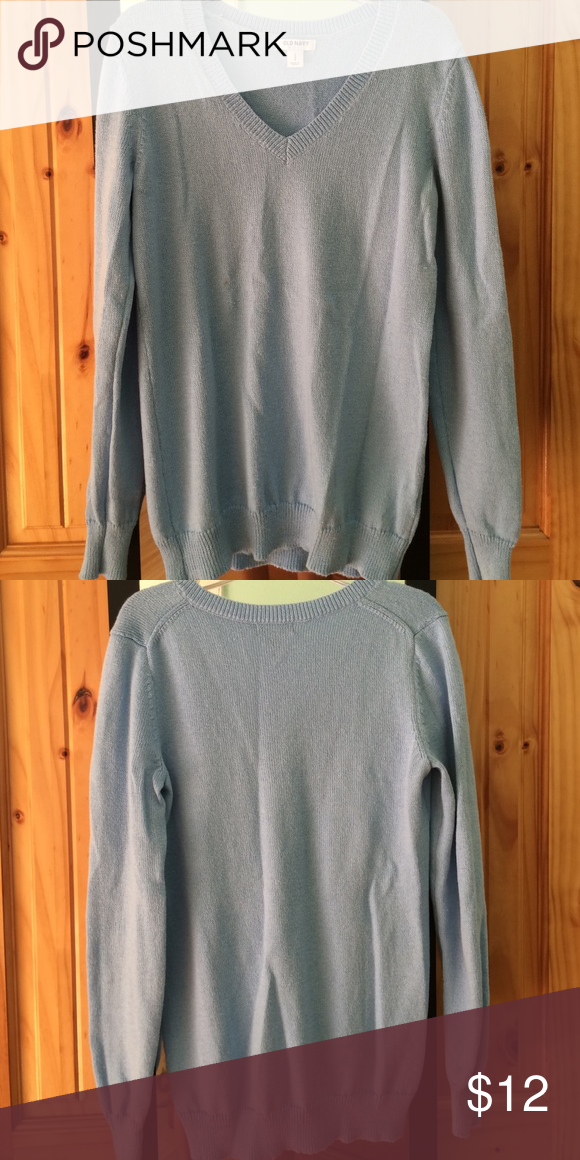 Old Navy knitted v-neck sweater Knitted v-neck sweater from Old Navy. Worn twice, fitted bottom and sleeve cuffs. Soft and cozy. Old Navy Sweaters V-Necks