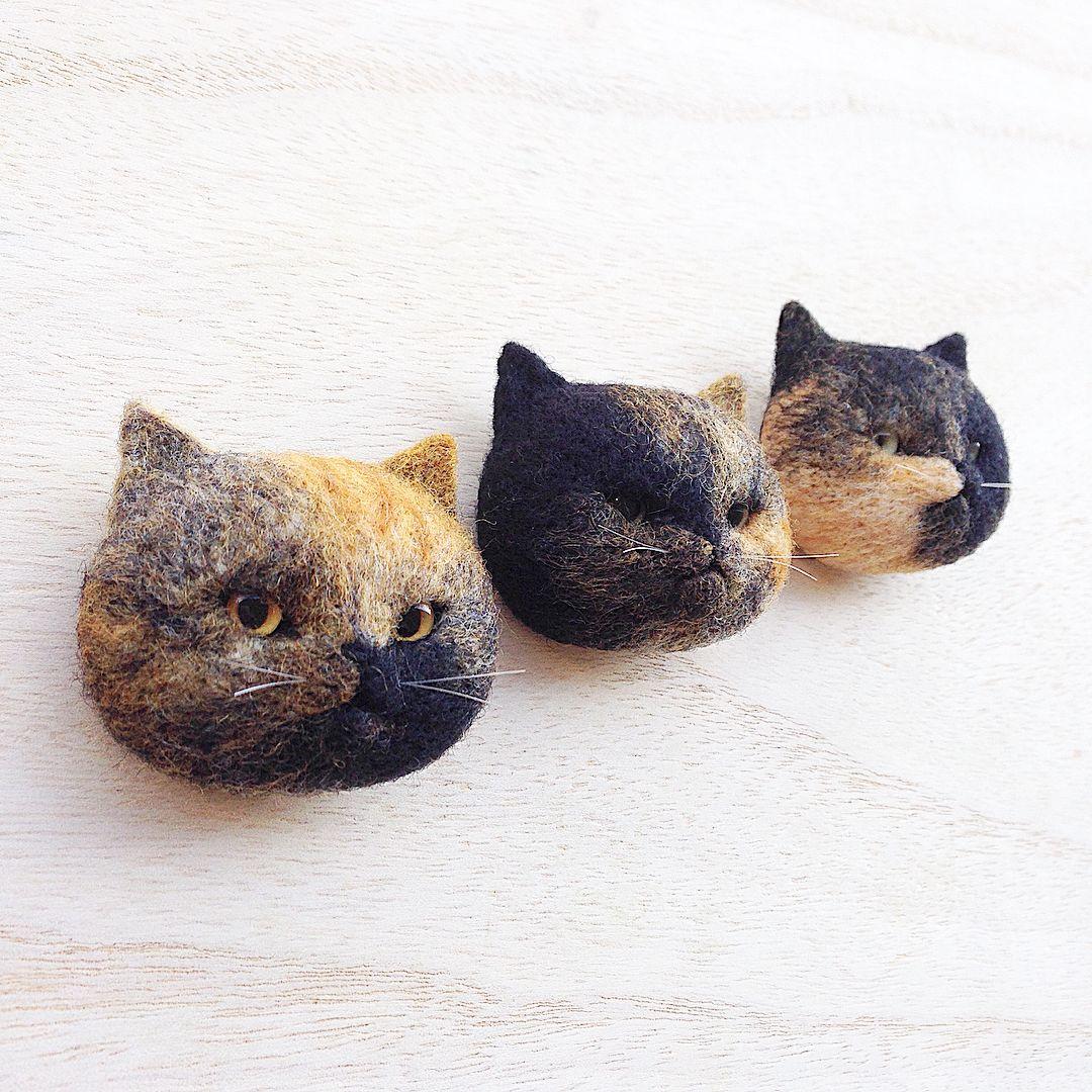 まんじゅう猫🐈  さびちゃん。  - - - - - - -  #cat #neko #tortoiseshell #サビ猫 #needlefelt #needlefelting #felt #felted #felting #woolfelt #woolfeltcat #handmade #羊毛フェルト #ニードルフェルト  20171209