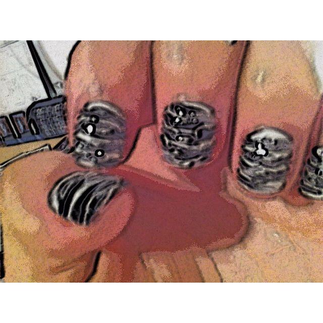 messy stripe nails