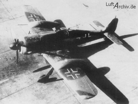 Fw 190 A-7 equiped with slipper tank