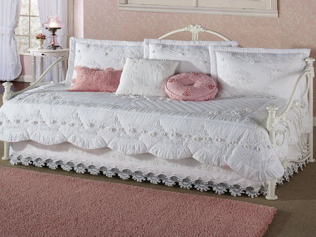 daybed-bedding-white (640×480) | dream home | pinterest