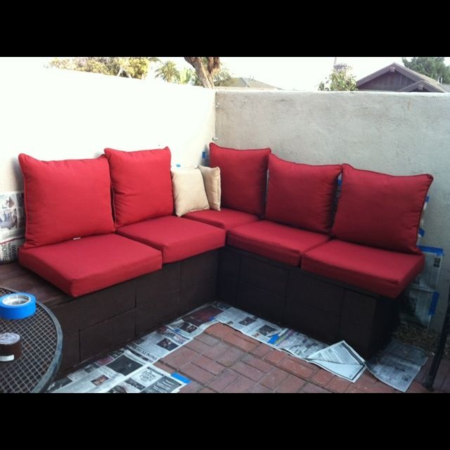 Cinder block and cedar outdoor couch; inexpensive alternative from Sisters  and Stories: My First - Cinder Block And Cedar Outdoor Couch; Inexpensive Alternative From