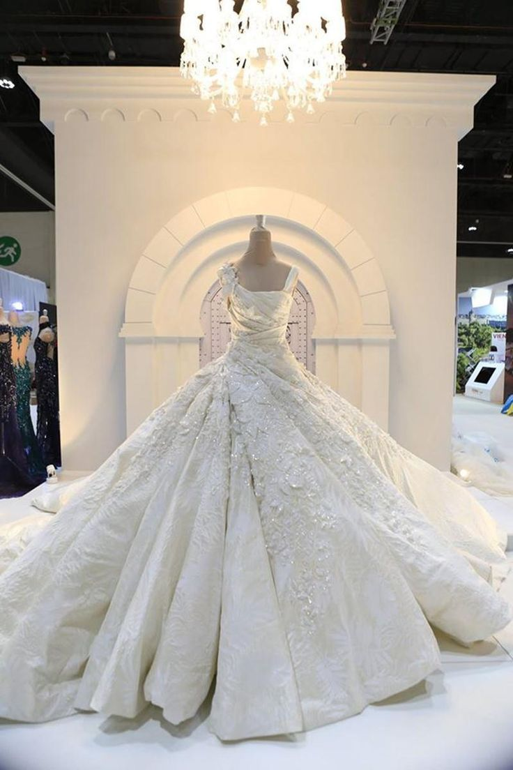goodliness wedding dresses designer ellie saab monique lhuillier ...