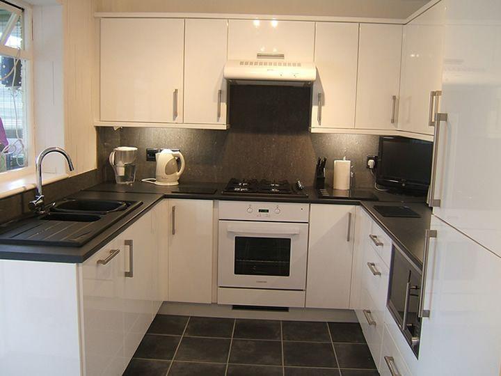 Download Wallpaper White Gloss Kitchen With Black Quartz Worktop