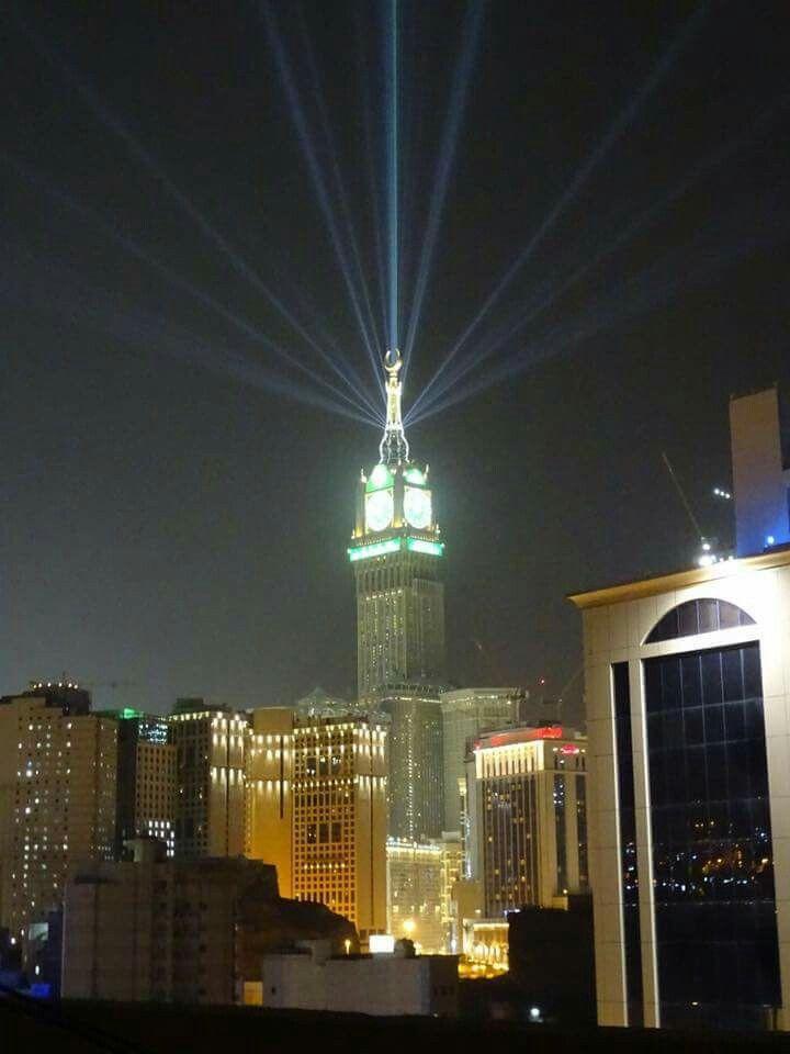 صلاه الفجر عطر الجنة بداية يوم جديد يرحكم الله Empire State Building Empire State Landmarks