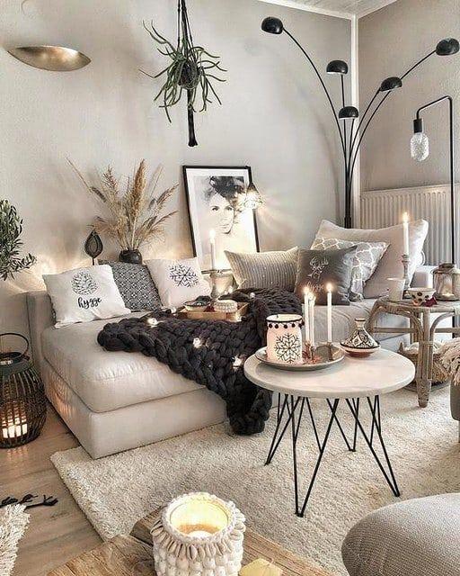 """Westwing Maison & Décoration on Instagram: """"Pour personnaliser son salon, il n'y a rien de mieux que de mélanger les styles déco !✨???? ???? @tres.jolie.sewingstudio #monstylewestwing"""" #dunkleinnenräume"""