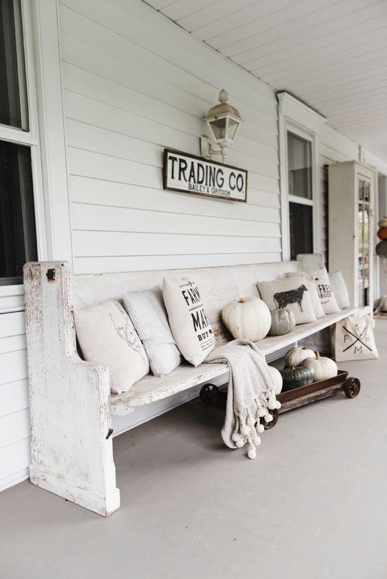 20 Awe-Inspiring Rustic Porch Decor Ideas for an Instant Farmhouse Vibe! #rusticporchideas