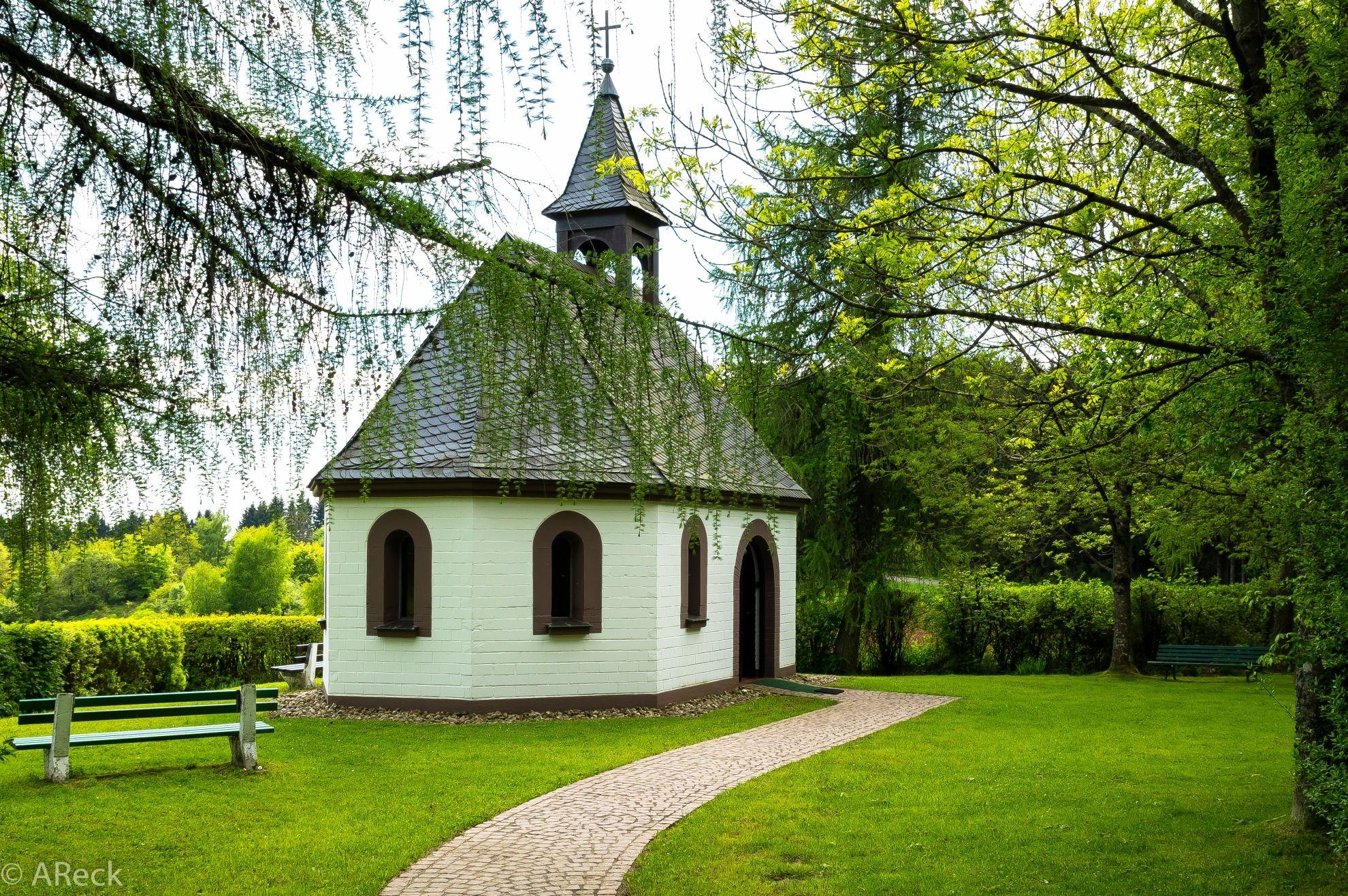 peterkapelle braunshausen im saarland eine sch ne kleine kapelle saar saarland saarland. Black Bedroom Furniture Sets. Home Design Ideas