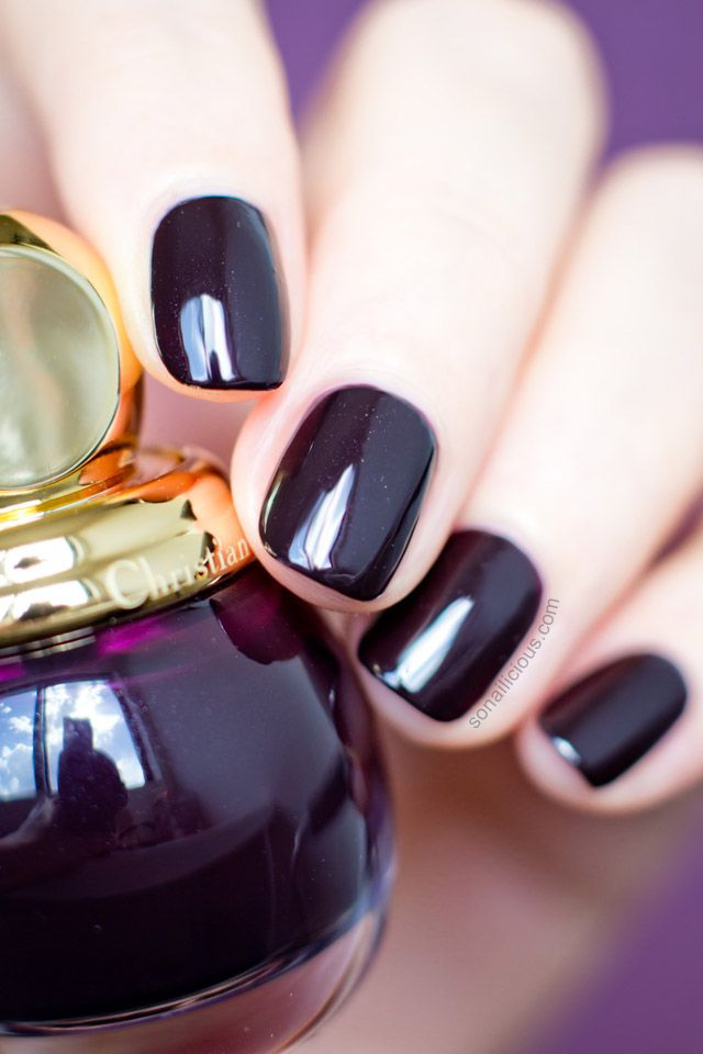 Must-Have: Diorific Smoky, The Chicest Dark Plum Polish | Esmalte ...