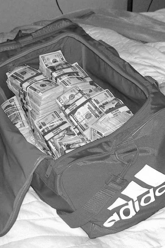 Adidas Borsa Piena Di Soldi Foto Pinterest Adidas Sacchi, Adidas