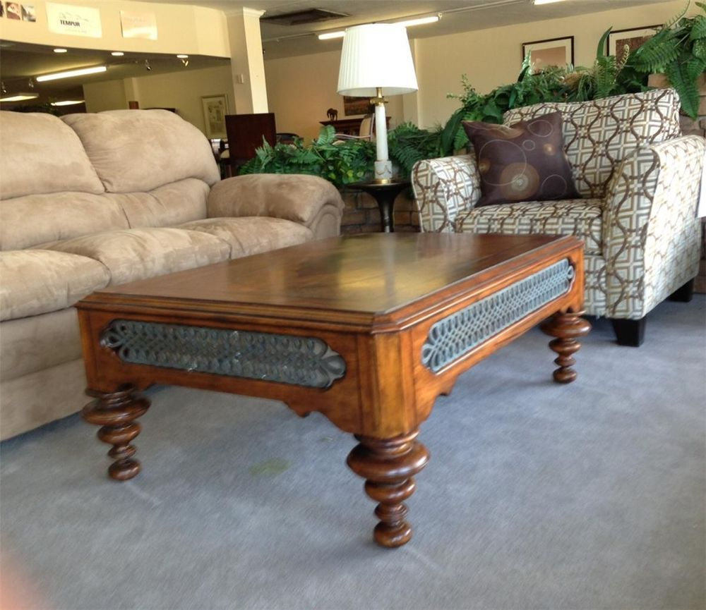 Thomasville Furniture Cassara Cocktail table with