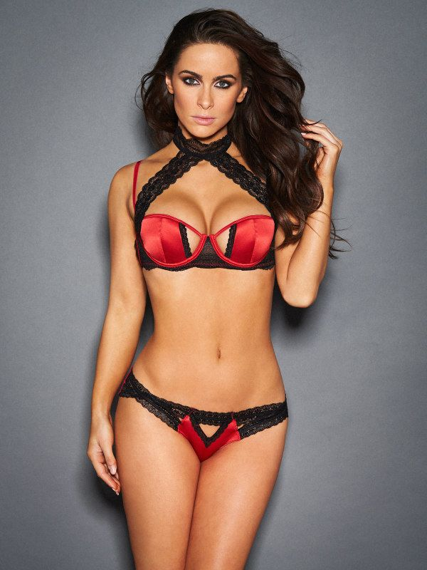 6fefc71ec2 Frederick s of Hollywood is proud to introduce the Suki Bra Set With Lace  Detail. Sensational Suki is set to be a true star this season.