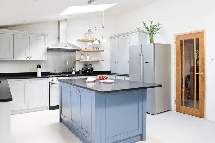 moderne küche in weiß mit blauer kücheninsel Küche Möbel - moderne kuche