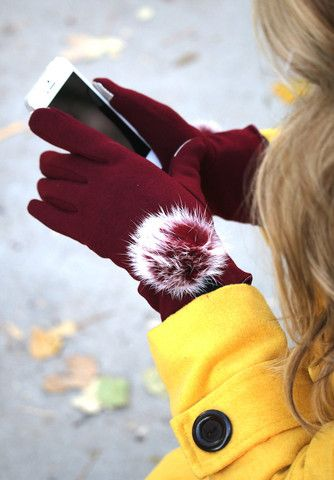 Small Cozy Design Women/'s Faux Leather Screen Touch Plush Hair Cuffs Red Gloves