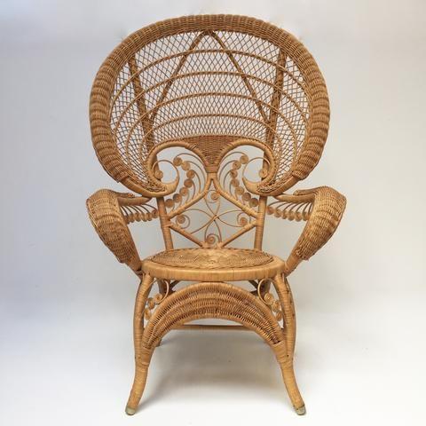Epingle Par Kitty Mcsurname Sur Latest Finds From E Store La Petite Brocante Net Fauteuil Rotin Meuble Vintage Mobilier D Art