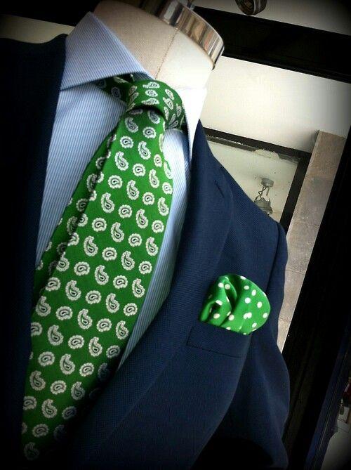 Cravate - Mouchetures Beige Et Vert Pâle Sur Cran Vert Foncé Ky0MMY