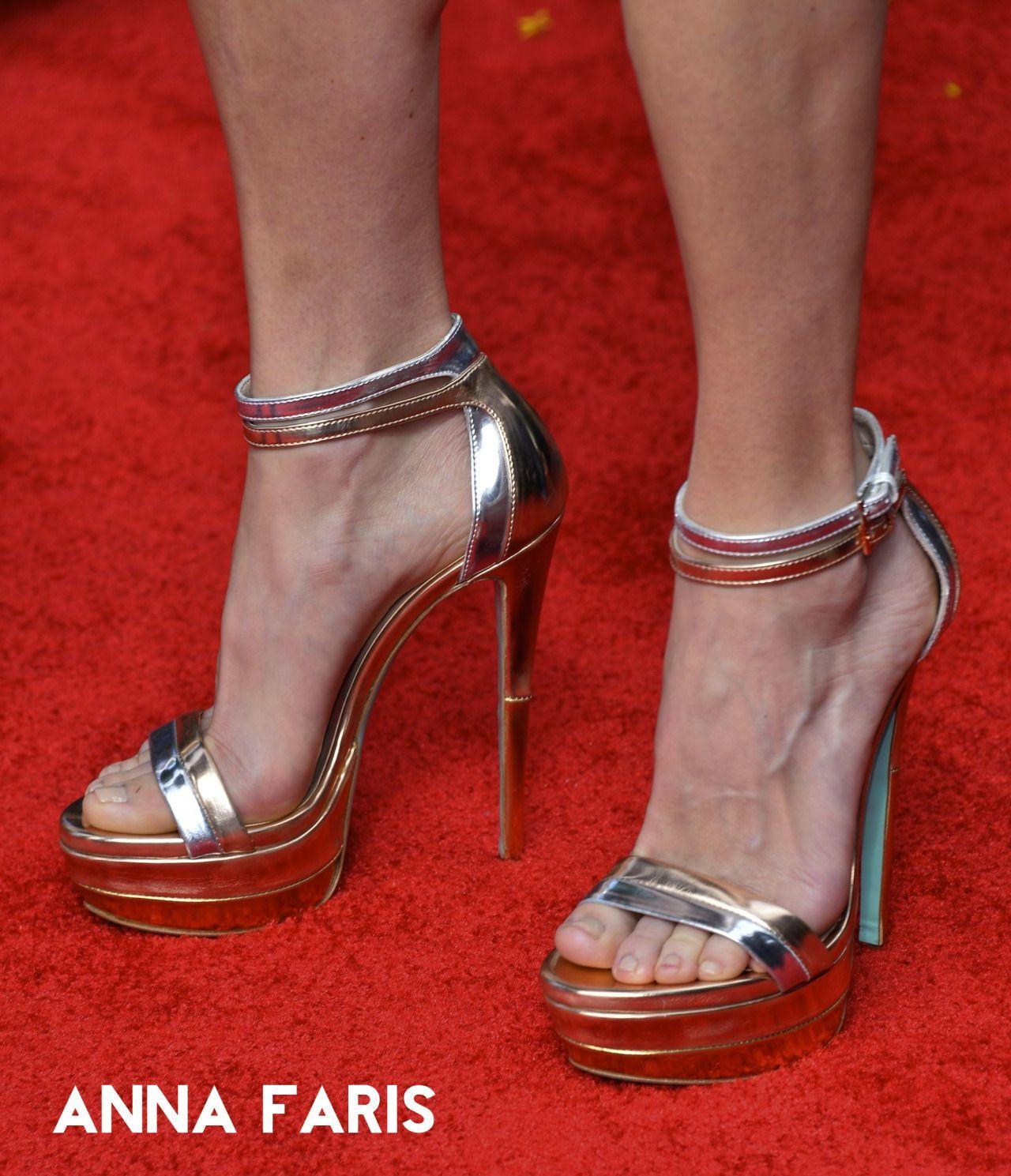 Anna faris feet feetvip heels pinterest anna faris anna faris feet feetvip voltagebd Choice Image