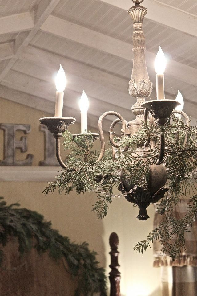 17 Gorgeous Christmas Chandeliers For A Yuletide Home Decor   DIY ...