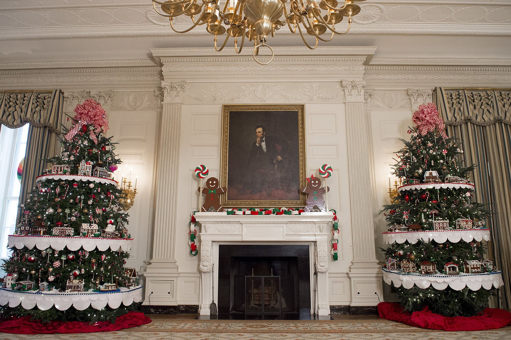 Inside The White House Holiday Decorations Pom Pom Replicas Of The