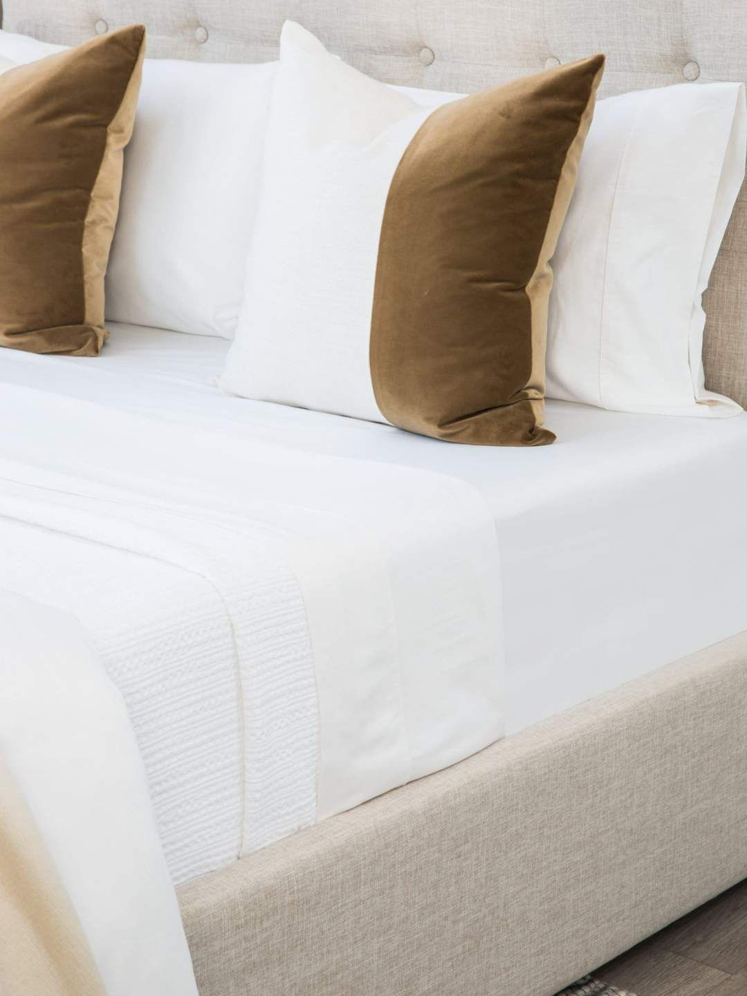 Organic 400 Thread Count Cotton Sateen Sheets That Won T Pill Innovative Touches Like Reverse Envelope Closure Pil Luxury Sheet Sets Luxury Sheets Sheet Sets