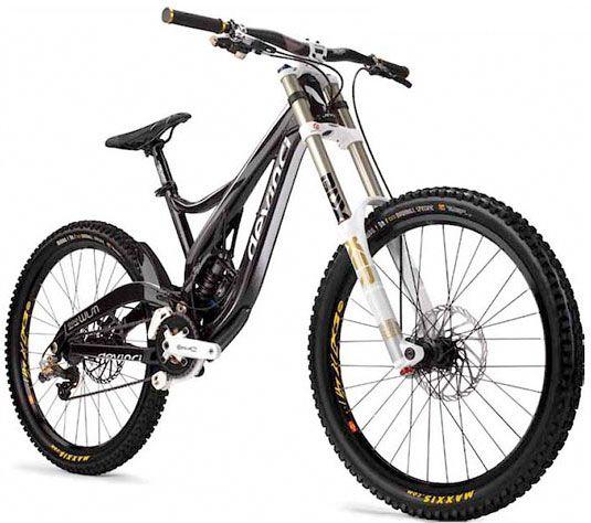 http://www.bikerumor.com/2010/09/10/2011-devinci-mountain-bikes-get-dave-weagles-new-split-pivot-suspension/