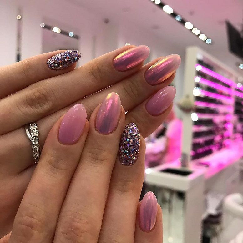 47 Gorgeous Nail Art With Glitter Polish - Glitter Nails , nail art ideas #nails #nailart #glitternails