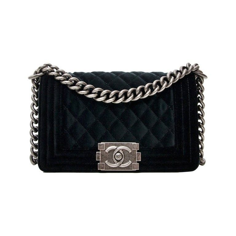 08ecb95b48e2 Chanel Boy second hand | We LOV Chanel in 2019 | Chanel, Black quilt ...