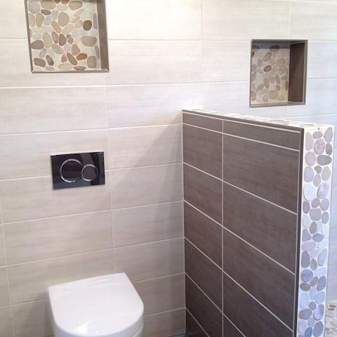 Salle de bains nature  Salle de bains de style par RG Intérieur