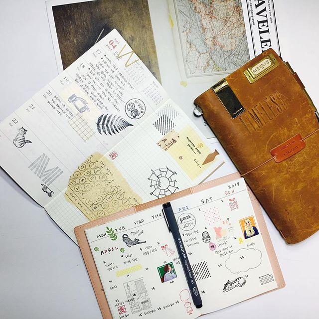 #travelersnotebook #midori #midoritravelersnotebook #travelersnote #planner #weekly #travelerscompany #journal #maskingtape #washitape #classiky #diary #트래블러스노트 #vintagestamp #tokyoantique  날씨 너무 좋다. 집에 있기 좋은 날씨야....😭