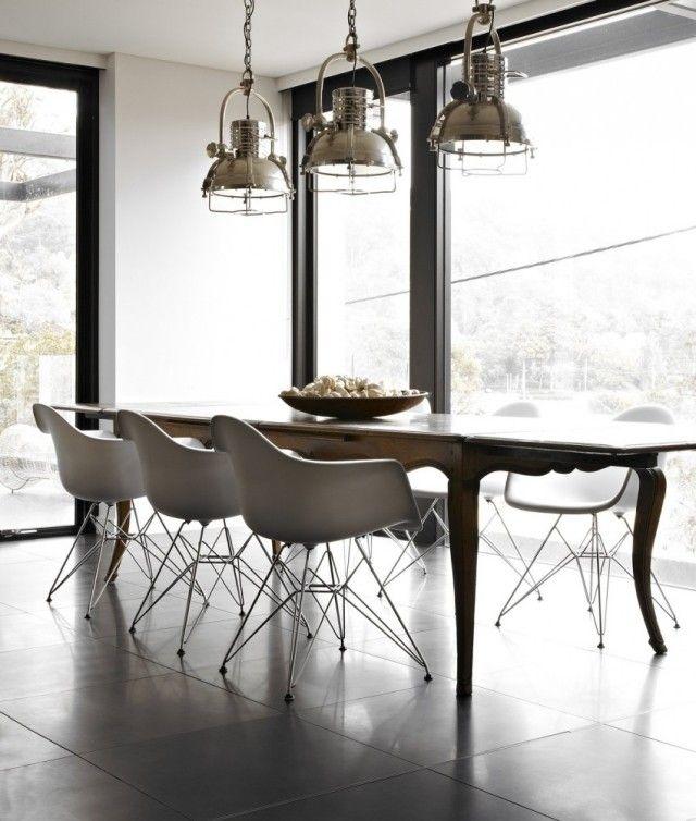 chaises-eiffel-salle-manger-moderne-éclairage-industrieljpg (640